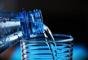 Butelka filtrująca – chwilowy trend czy sposób na zdrowie?